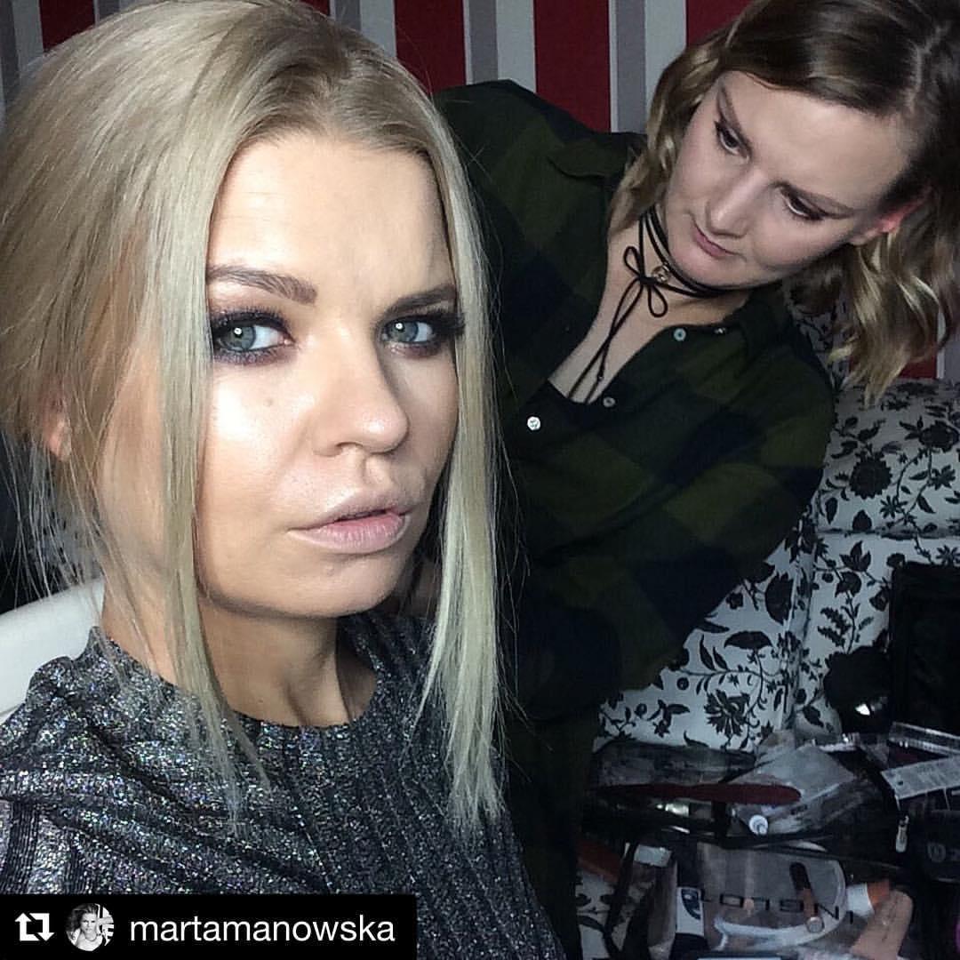 Marta Manowska - prowadząca program \\\